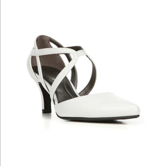 dafd7511a72 LifeStride Seamless White High Heels New NWT